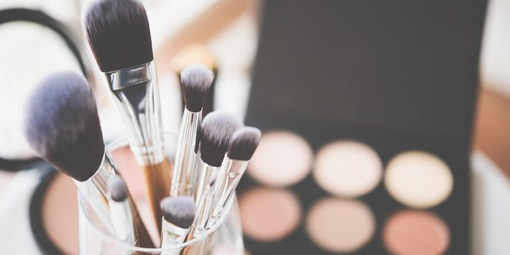 8 Beauty Products You Need on a Daily Basis Makeup tools