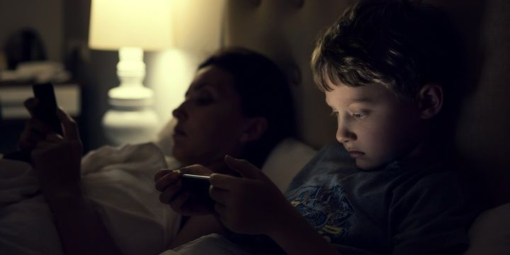 5 Things That Might Disturb Your Kids Sleep Keep electronic devices away