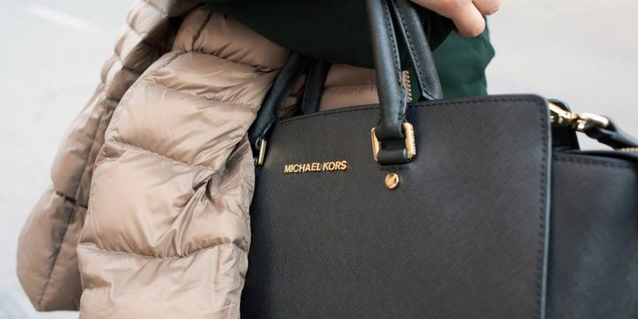 Differences between Real Designer Bags and Fakes Knockoff and fake handbags have some certain signs