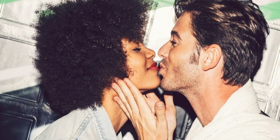 10 Phrases Said by Men When They Truly Love You